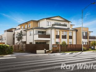 Convenient Lifestyle  Private Rear Courtyard - Burwood East