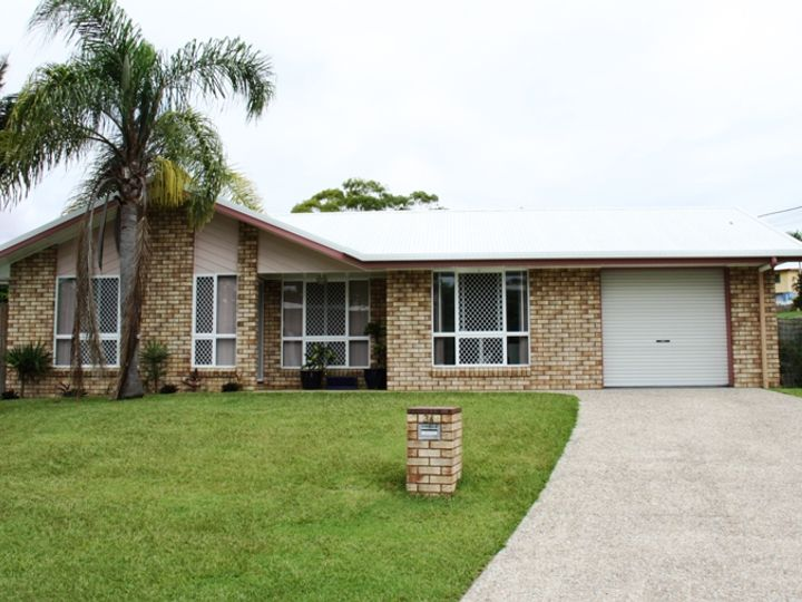 34 and 34A Tyson Crescent, Tannum Sands, QLD