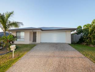 4 BEDROOM HOME WITH PATIO AREA CLOSE TO ALL FACILITIES - Coomera