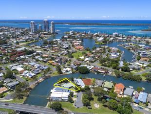 North-East Facing, 779m2 Waterfront block on Prime Residential B Land! - Biggera Waters