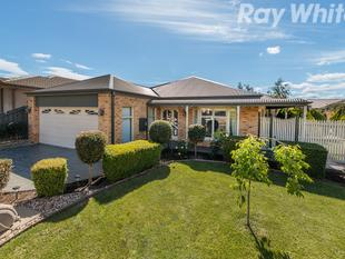 A STUNNING COURT LOCATED 4 BEDROOM FAMILY HOME - Lysterfield