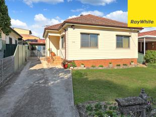 WELL LOVED FAMILY HOME IN SUPERB LOCATION - Auburn