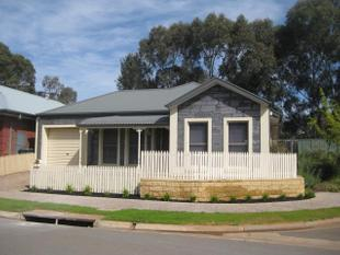 Beautiful 3 Bedroom Home - Mawson Lakes