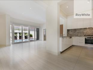 Luxury, location at its best - Caulfield North