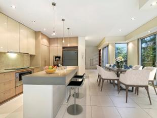 Stunning, Award Winning Budds Beach Villa Close to Beach, Cafes and the heart of Surfers Paradise - Surfers Paradise