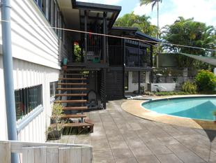 4 BR, NEW DECK, SWIMMING POOL & SPA - PRICE REDUCTION - East Innisfail