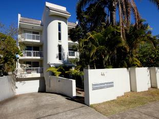 THIS IS THE ONE YOU'VE BEEN LOOKING FOR! - Broadbeach