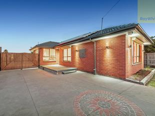 Restoration Excellence - A True Masterpiece on 693m2. - Craigieburn