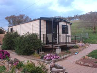 Fully furnished self contained unit - Cootamundra