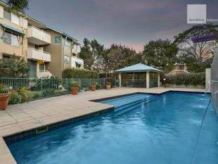 AUCTION THIS SATURDAY - Newly Renovated Oversized Apartment / Massive Courtyard - Indooroopilly