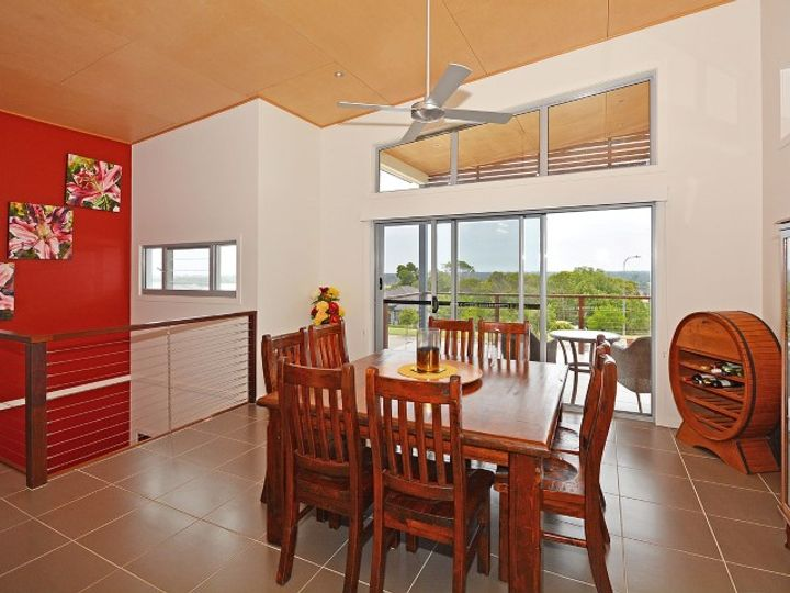4 Sandy View Drive, Nikenbah, QLD