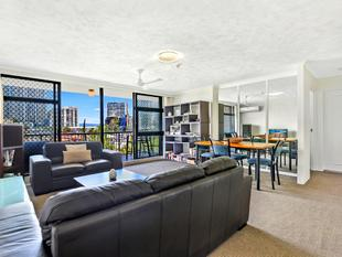 Absolute Beachfront - Prime Location! - Surfers Paradise
