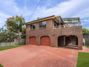 Older style large family home - Tweed Heads South