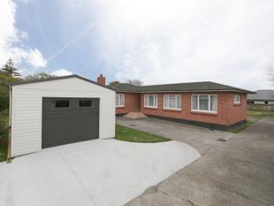 Solid and Timeless Home / UNDER CONTRACT - Feilding