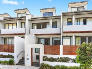 Street Fronted Townhouse - Botany