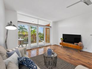 Classic New Farm Retro - New Farm