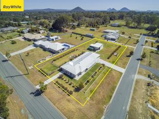 2 HOMES ON ACREAGE, SEPARATELY METERED!!! - Caboolture