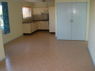Tidy Two Bedroom Unit With Air Conditioning Close to Everything! - Gordon Park