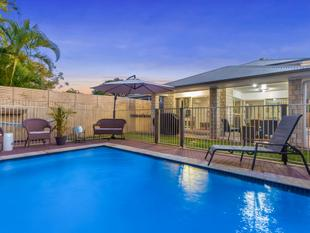 STUNNING FAMILY HOME! - Kedron