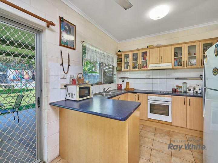 8 Tryal Street, Bentley Park, QLD