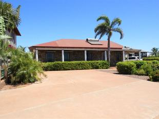 Looking for office space, comfort and a touch of luxury with a spectacular view? This is the perfect home for you! - Port Hedland