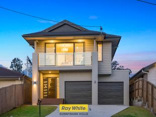 SPARKLING NEW HOME IN TOP LOCATION - Sunnybank