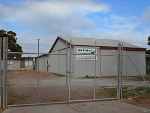 Fully Self Contained Unit & attached Shed - Port Augusta