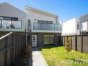 Stunning spacious townhouse! - Bentleigh