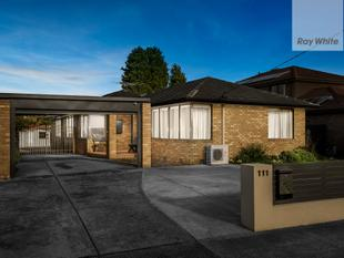 Renovated & Immaculate - Epping