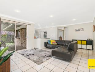 Perfect Family Home with Cubby House - Birkdale