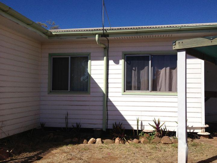 2/3 Thirteenth Avenue, Mount Isa, QLD