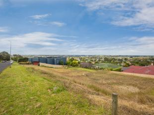 Create Your Own Dream Home in the Desired Lakes Location - Mount Gambier