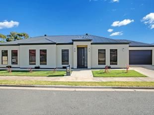 APPEALING  FAMILY HOME - QUITE LOCATION  -  OPEN TO   VIEW   TUESDAY  21ST NOV  @  5.00  TO  5.15  PM - Albert Park