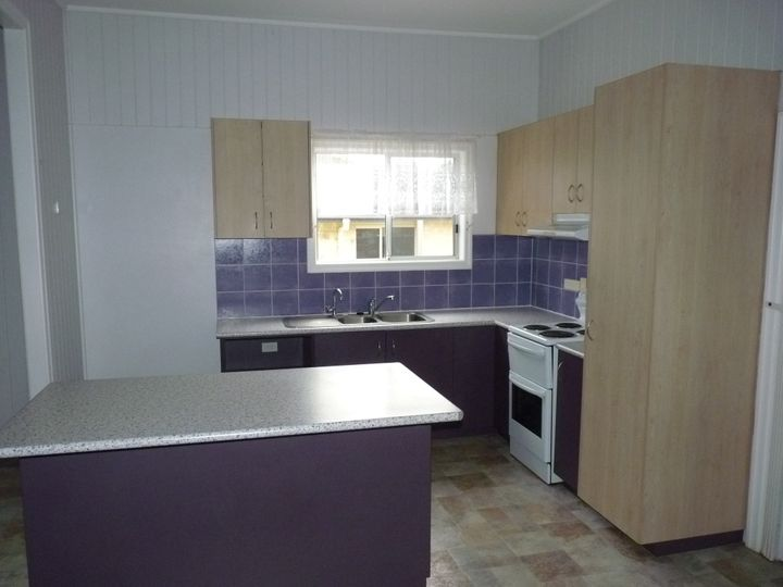 4 Hume Street, St George, QLD