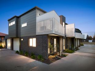 Premier location, Almost New - First Home Buyers Pay NO Stamp DUTY ! - Clayton South