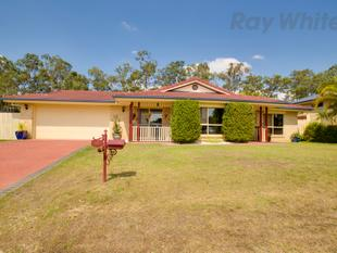 Large Family Home In Wonderful Street With A Pool! - Flinders View