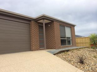 FAMILY HOME - Cranbourne West