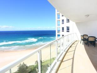ABSOLUTE BEACHFRONT LIVING! - Surfers Paradise