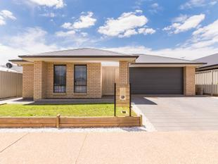 Absolutely Fabulous, 4 Bedroom Home - Munno Para West