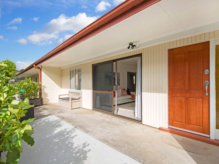 7a Jern Place, Eastern Beach, Manukau City