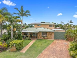 "Expansive Family Home In the ""Golden Triangle"" - Torquay"