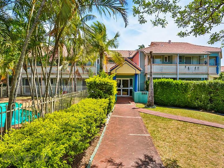 2/592 Sandgate Road, Clayfield, QLD