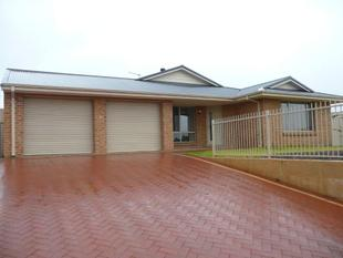 4x2  Generous Family Home - Hopetoun