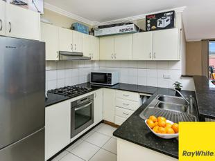 ULTRA-MODERN 109m2 LARGE UNIT - OPPOSITE TO TRAIN STATION & SHOPS - Punchbowl
