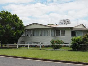 LOWSET HOME CLOSE TO ALL SERVICES - Maryborough