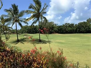 RESIDENTIAL LAND WITH GOLF COURSE VIEWS. - Port Douglas