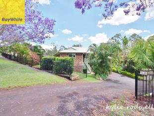 2 Storey Home, Pool, Shed + 1 Acre - Beaudesert