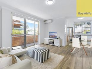 STUNNING RENOVATIONS, BRAND NEW - MOVE STRAIGHT IN - Merrylands