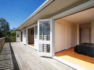 3 bedroom with 1 bathroom 1 toilet. - Glen Eden