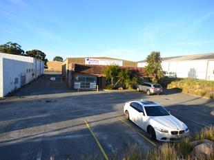 662sqm office warehouse on 2,091sqm land - Belmont